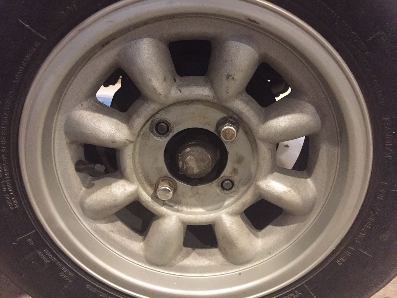 72 510 CSI wheels closeup.jpg