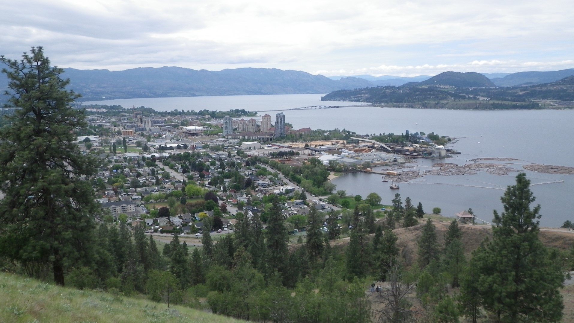 Kelowna and Okanagan lake (Large).jpeg